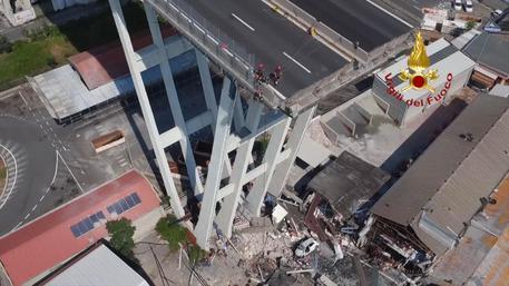 Genova, crollo Morandi, ad di Autostrade: 'Nuovo ponte d'acciaio in 8 mesi'
