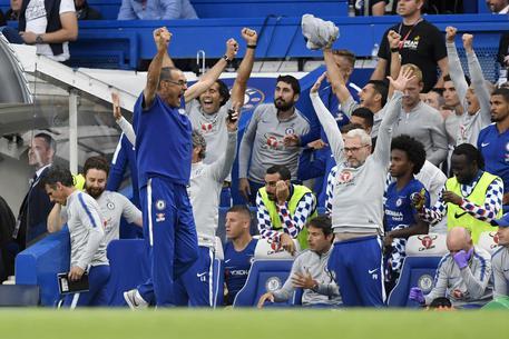 Premier League, Sarri resta in vetta