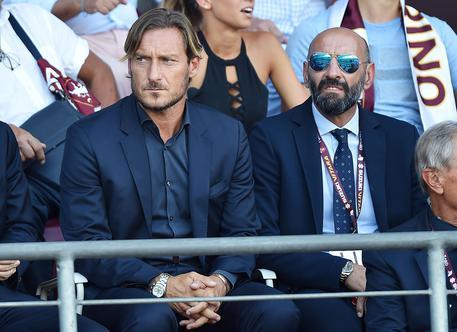 Roma, Totti spezza i sogni scudetto: