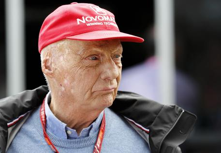 Niki Lauda in condizioni critiche dopo un trapianto di polmone