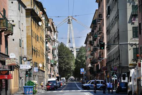 Crollo Ponte Morandi, le immagini diramate dalla polizia (che continua ad indagare)