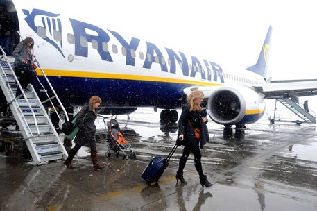 Ryanair, primo contratto collettivo per i piloti in Italia