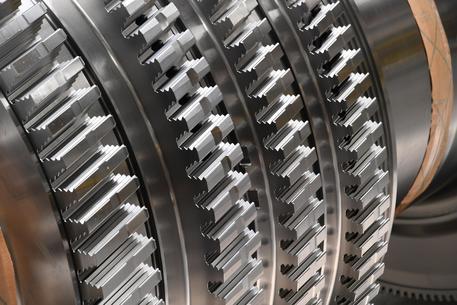 Istat, a giugno cresce ancora la produzione industriale