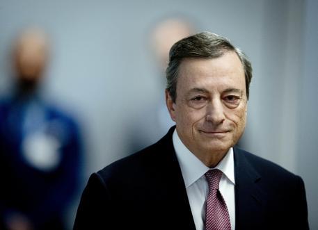 Draghi attacca: