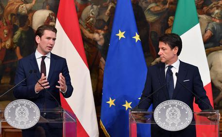 Migranti, Conte incontra Kurz: