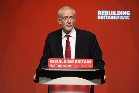 Brexit: Labour vota su una mozione che apre al referendum