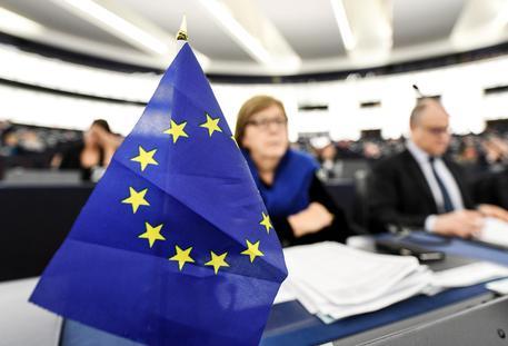 Sondaggi Ue: Lega primo partito al 33,3%, scende ancora il M5S
