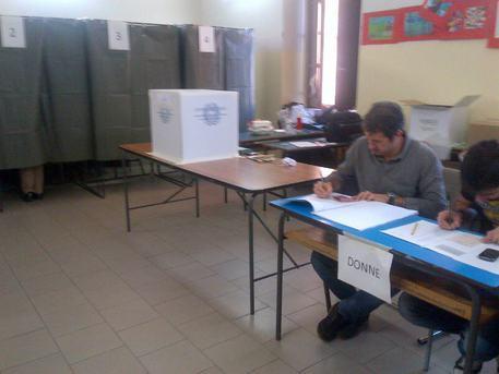 Sardegna Elezioni regionali 2014 seggio © ANSA