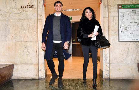 Niccolò Bettarini denunciato dal suo avvocato per diffamazione: la insultò su Instagram