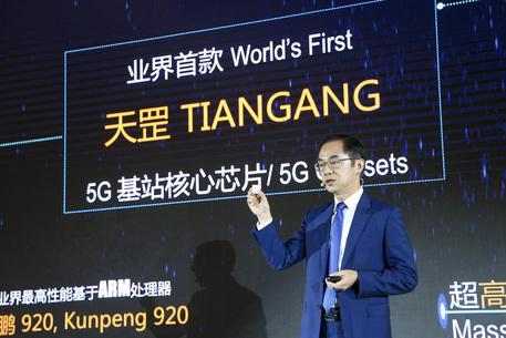 Huawei: vendite record, arriva lo smartphone 5G