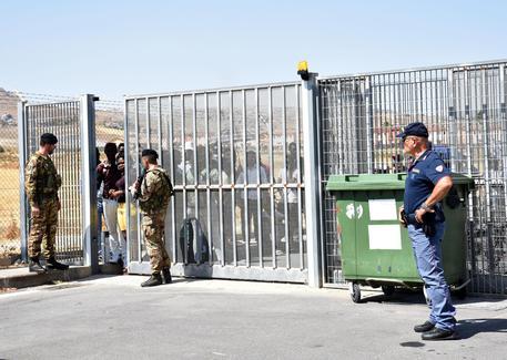 Salvini autorizza il trasferimento dei primi migranti al Cara di Mineo$
