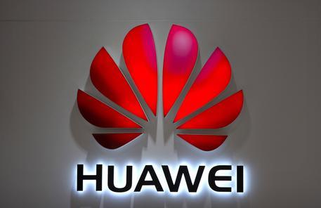 Italia: Huawei al bando per pericolo spionaggio? Arriva la smentita