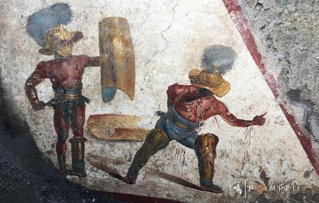 Pompei, il meraviglioso affresco dei gladiatori
