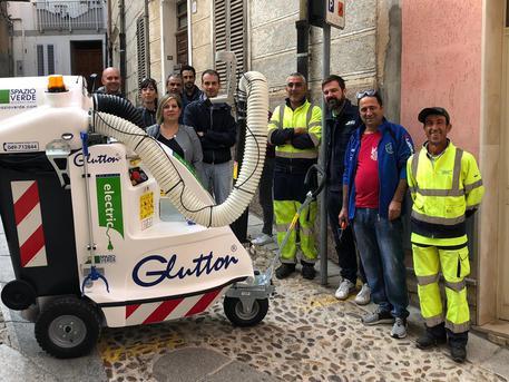 Sennori, un aspiratore per pulire strade