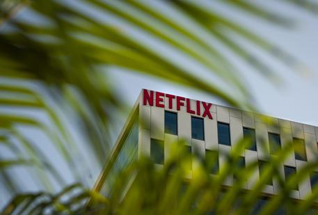 Netflix exceeds Q3 earnings expectations © EPA