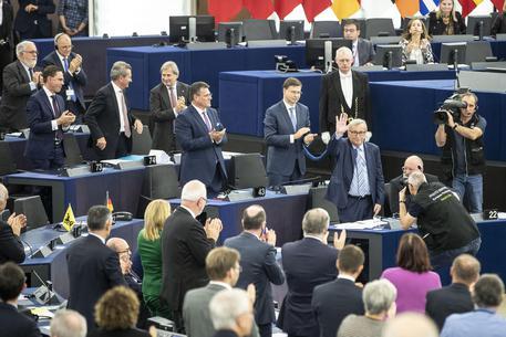 Migranti, l'Ue boccia risoluzione sui salvataggi