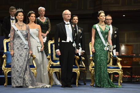 Re Svezia toglie titolo reale a 5 nipoti
