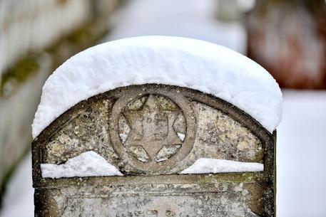 Danimarca, profanate 80 lapidi del cimitero ebraico di Randers