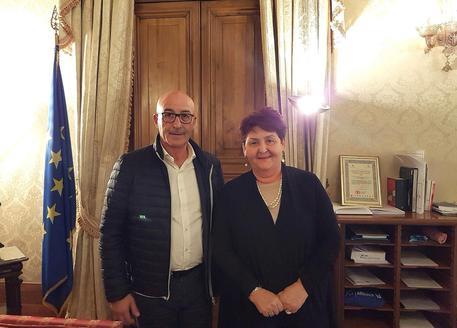 Presidente Consorzio tutela pecorino Palitta e ministra Bellanova © ANSA