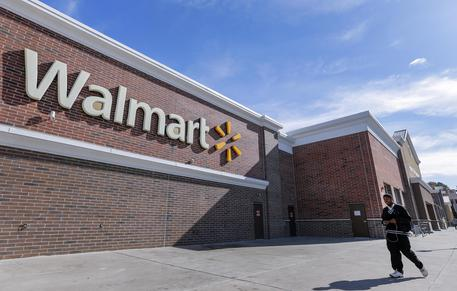 Spari da Walmart in Oklahoma: 3 morti, anche il killer
