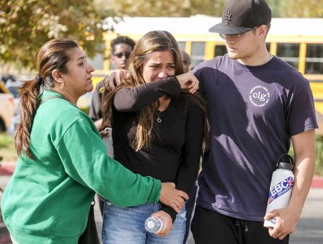 Sparatoria in una scuola in California: il punto della situazione