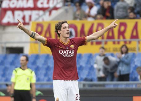 Fonseca, altra tegola: la Roma perde di nuovo Mkhitaryan per infortunio