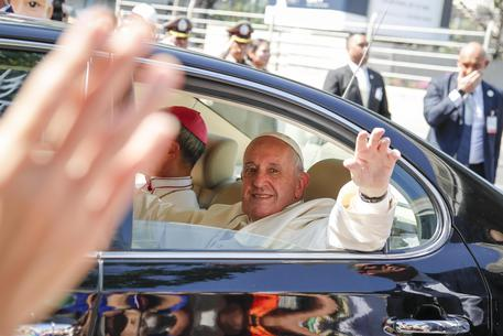 Papa: è arrivato a Bangkog