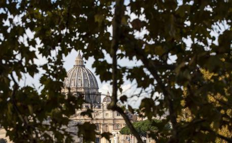 Abusi su seminaristi, mandato arresto internazionale per vescovo Zanchetta