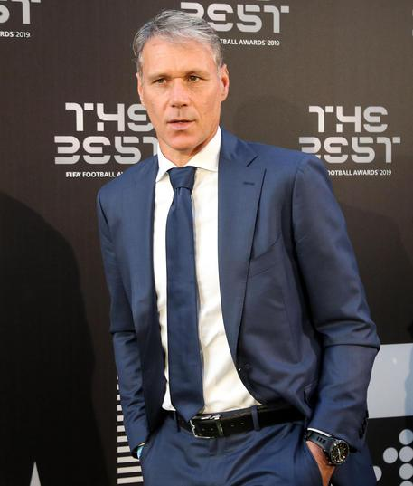 Van Basten: vergognoso saluto nazista in tv