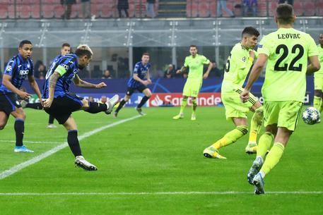 La magnifica conclusione di Gomez regala il raddoppio ai bergamaschi; Atalanta-Dinamo Zagabria 2-0.