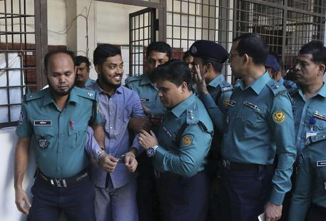 Strage Dacca, pena morte per 7 jihadisti