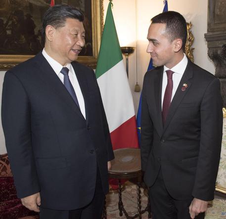 Cina, Di Maio al Ciee, riceve Xi in visita al padiglione Italia