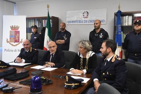 Arresti Polizia, conferenza stampa Questura Oristano © ANSA