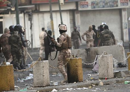 Attentato in Iraq: cinque militari italiani feriti