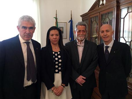 Venezuela: il senatore italiano Casini verso Roma con due oppositori