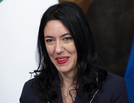 La polemica sulla ministra Azzolina e la tesi copiata