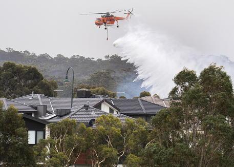 Incendi Australia: 4mila persone intrappolate sulle spiagge