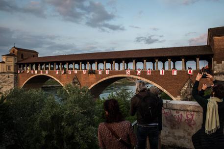 Anche a Pavia niente botti in centro - Cronaca - ANSA