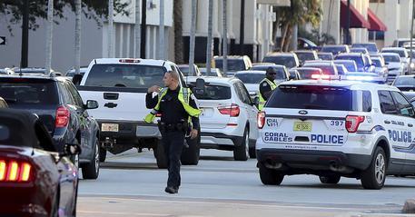 Sparatoria a Miami per rapina: 4 morti e un ferito
