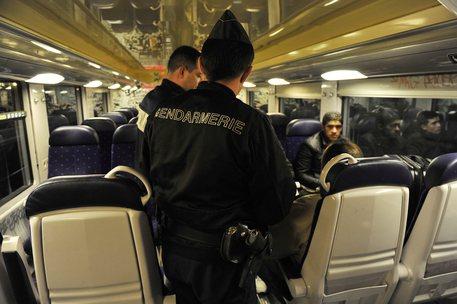 Spray polizia francese sul Ventimiglia-Nizza