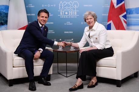 Brexit: Conte sente May, evitare recesso senza accordo