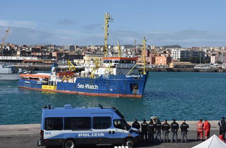 Sea Watch: Francia accoglierà 7 migranti