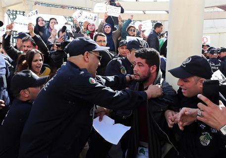 Algeria: proteste contro Bouteflika