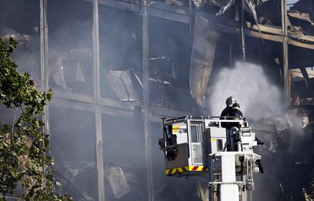 Parigi, incendio in un palazzo residenziale, almeno 7 morti
