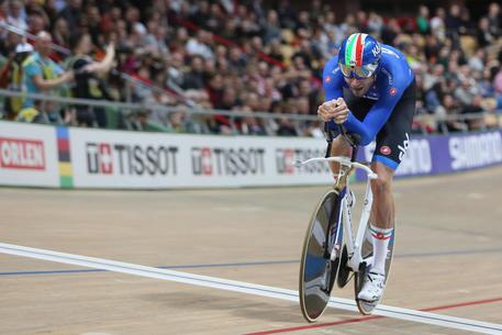 Ciclismo, colpo in Ganna! Il ciclista azzurro conquista l'oro in Polonia