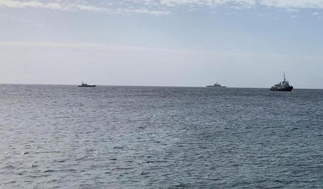 Nave Mediterranea vicino Lampedusa, intimato lo stop$