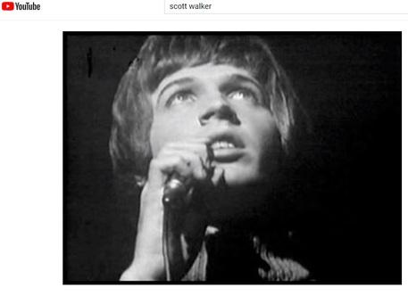 Morto Scott Walker, il cantante e compositore aveva 76 anni