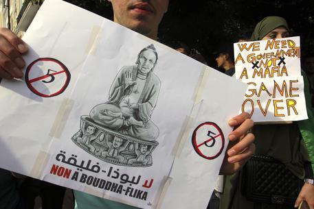 Algeri in piazza contro Bouteflika