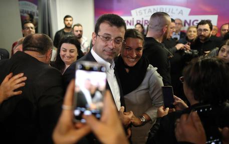 Turchia: candidato opposizione eletto sindaco Istanbul