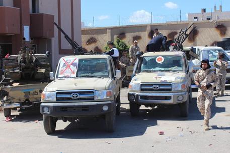 Libia, Serraj: